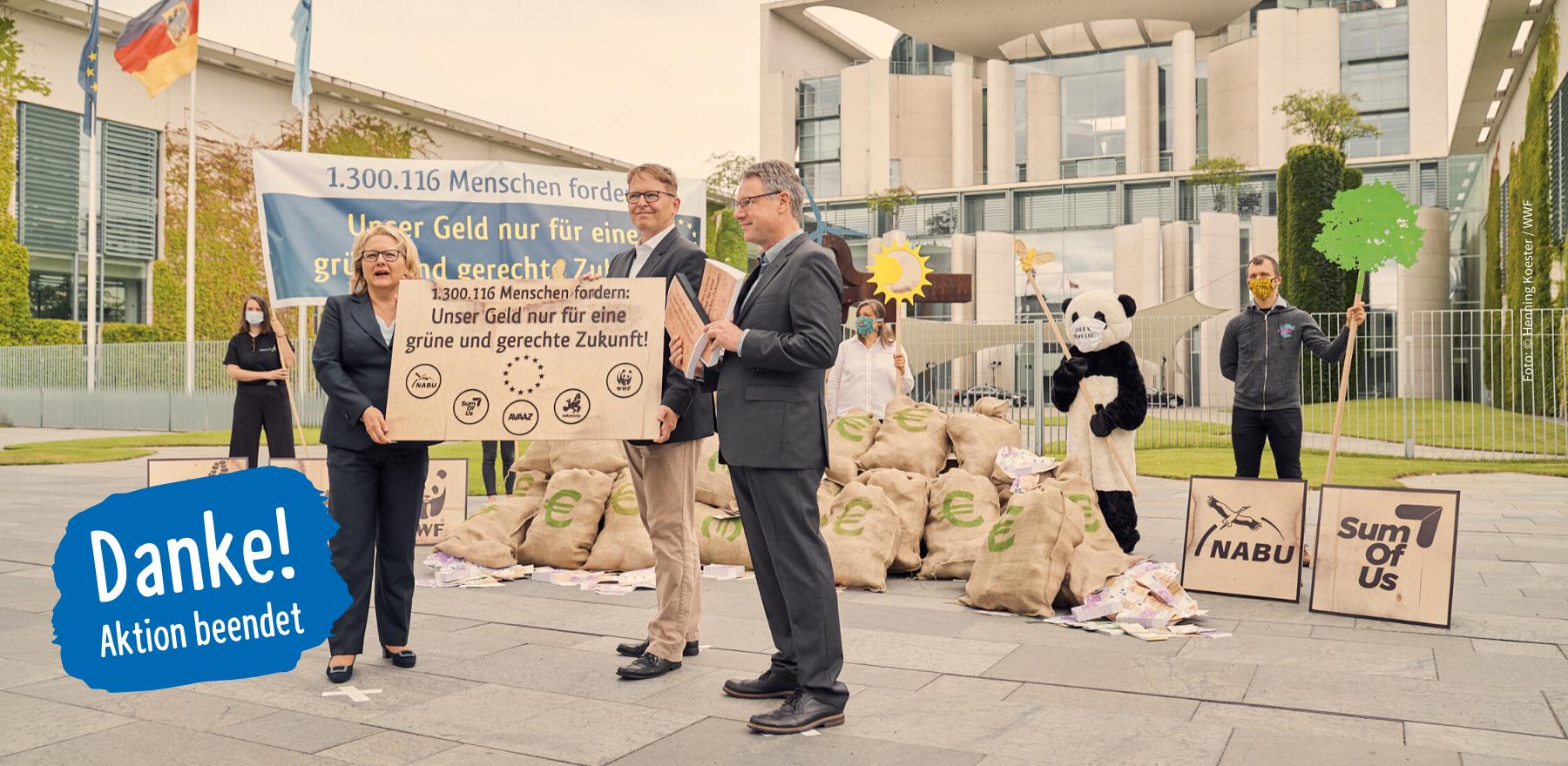 Übergabe der Unterschriften an Umweltministerin Schulze am 1. Juli 2020