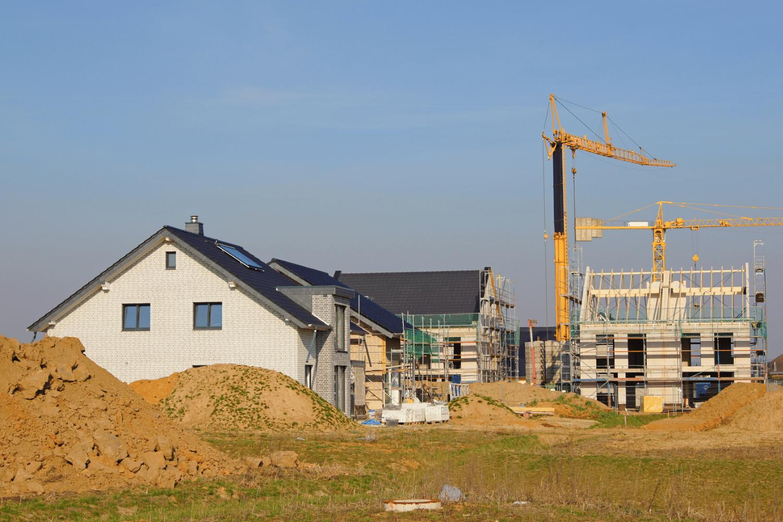 Neubaugebiete sollen bald noch schneller auf der grünen Wiese errichtet werden können.