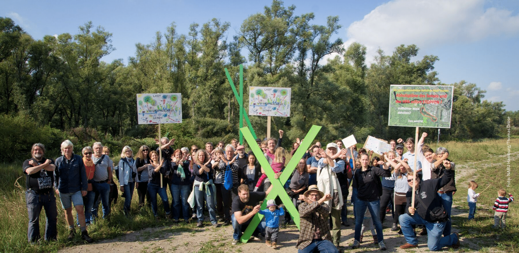 Protest gegen die Abholzung des Vollhöfner Waldes